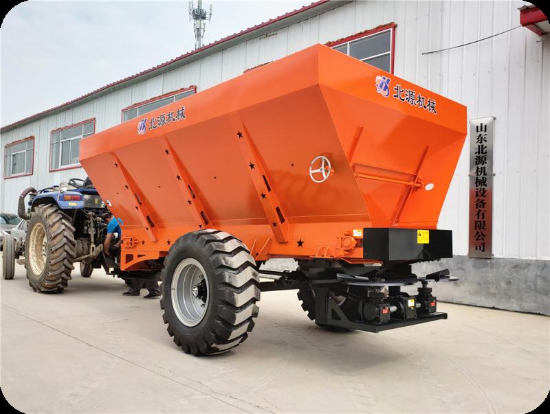 拖拉机牵引式固体有机肥抛撒机