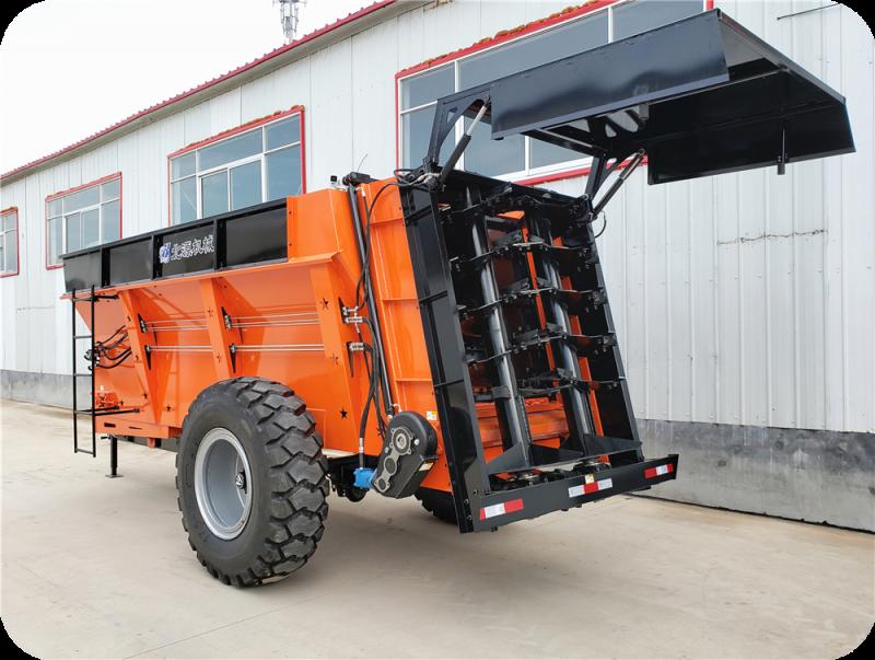 拖拉机牵引式大型固态有机肥撒肥车